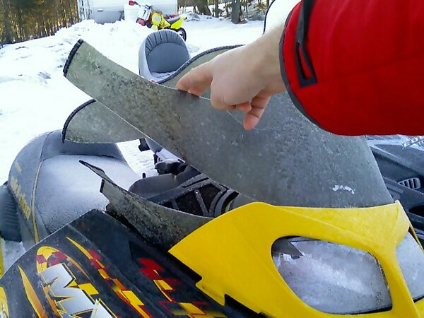 Broken MX-Z windshield